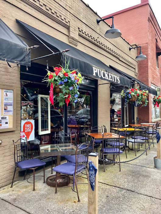 Puckett's Grocery and Restaurant in downtown Franklin